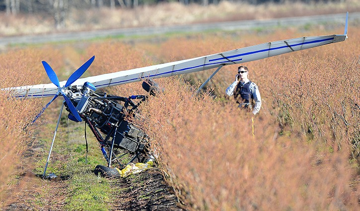 Minor injuries after ultralight pilot deploys parachute in