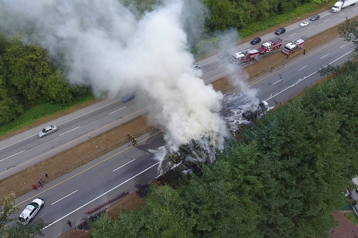 VIDEO: Hay truck catches fire on Highway 99 – Peace Arch News