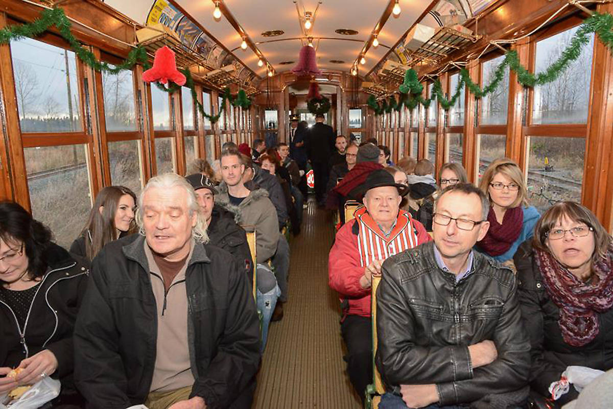 The Christmas Train.Minty Ride Surrey S Electric Express For A Christmas