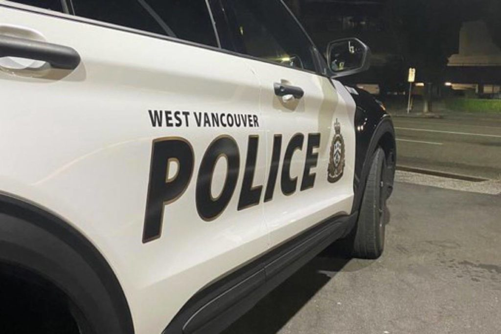 Three arrested attempting to steal fibre optic cable in West Vancouver - Peace Arch News
